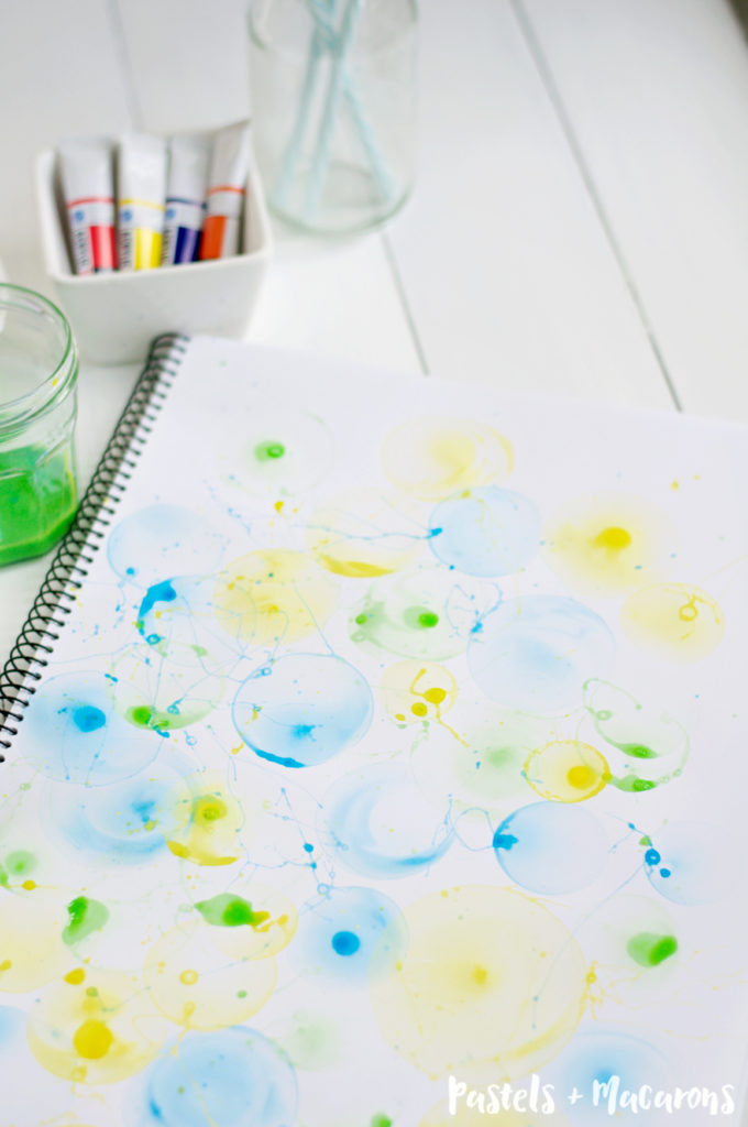DIY Bubble Art by Pastels & Macarons #diyart #diybubbleart #bubbleartcraft #bubblecraft #bubbleactivities #diy #craft #painting #diyart #diywallart