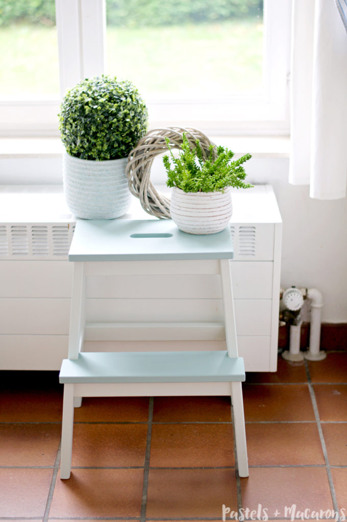 Swell Ikea Step Stool Makeover Diy Tutorial That Is Simply Stunning Creativecarmelina Interior Chair Design Creativecarmelinacom
