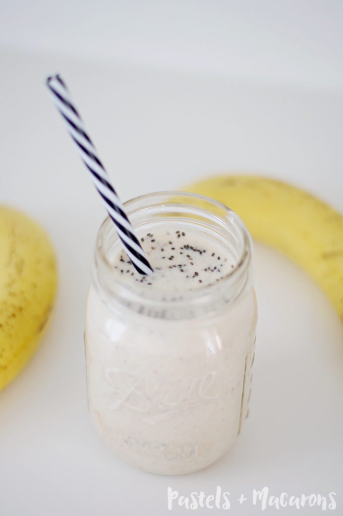 Banana Breakfast Smoothie by Pastels & Macarons #smoothie #smoothierecipes #bananasmoothierecipe #healthysmoothierecipe #drink #drinkrecipe