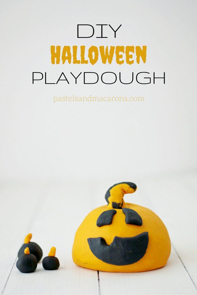 DIY Halloween Playdough by Pastels & Macarons #halloween #playdough #diyplaydough #DIY #playdoughrecipe #diypladoughrecipe #fall #autumn #kidssensoryplay #toddleractivity #kidsactivities #sensoryplay #kids