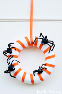 DIY Spider Family Halloween Wreath