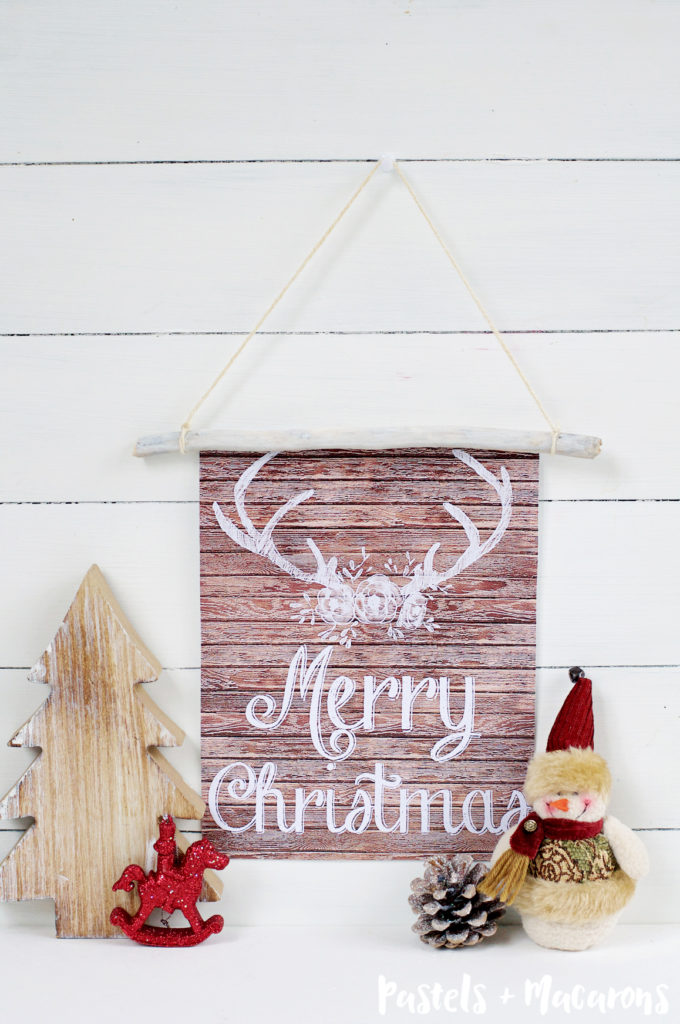 Rustic Wood Wall Hanging with Free Christmas Printable #wallhanging #freeprintable #diy #christmas #christmascraft #christmasdiy #diychristmas #rusticwoodwallhangingwithfreechristmasprintable
