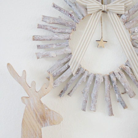 DIY Rustic Wood Christmas Wreath
