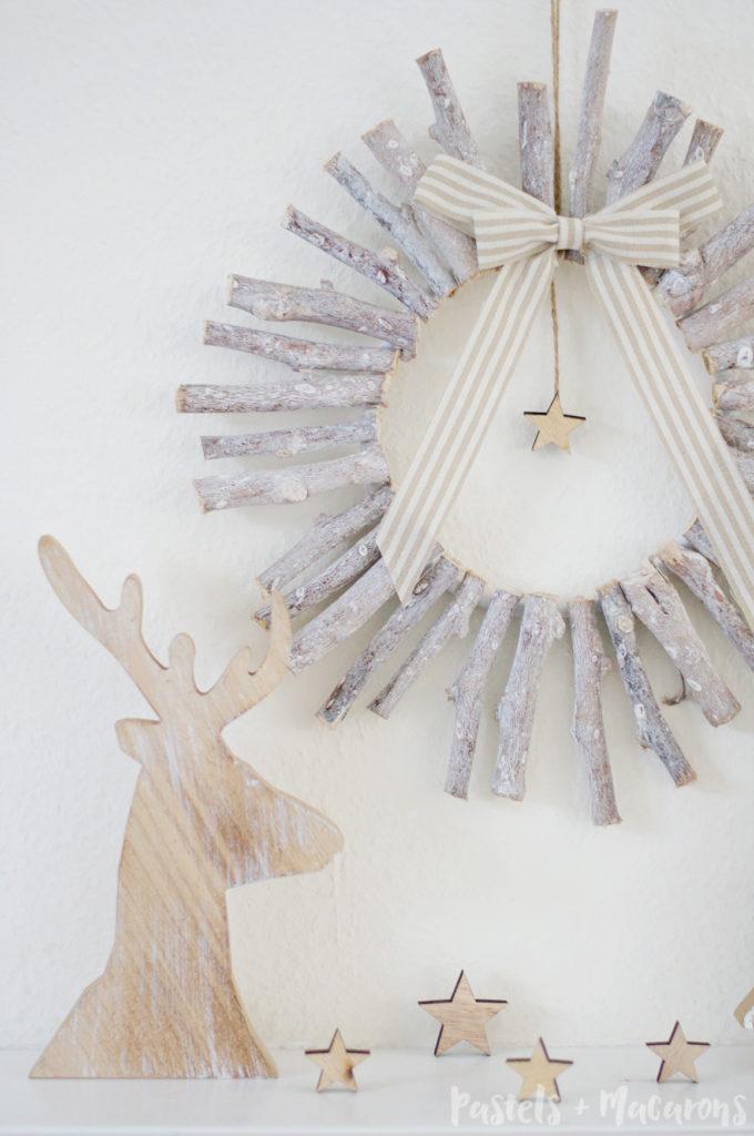 DIY Rustic Wood Christmas Wreath by Pastels & Macarons #christmas #diy #craft #christmaswreath #diywreath #diychristmaswreath #diyrusticwoodchristmaswreath #rusticwreath #rusticchristmas #diywoodwreath
