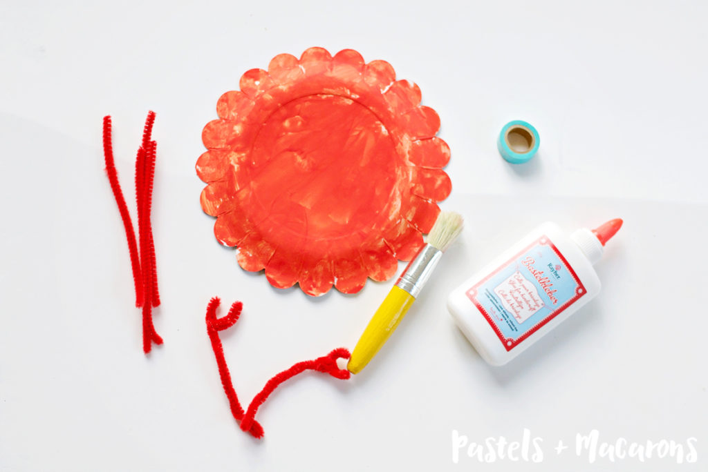 Crab Paper Plate Craft by Pastels & Macarons #kids #kidscrafts #toddleractivities #toddlercrafts #sensoryplay #undertheseacraft #oceancraft #paperplatecraft #crabpaperplate #paperplatecrab #crabpaperplatecraft #pipecleanercraft