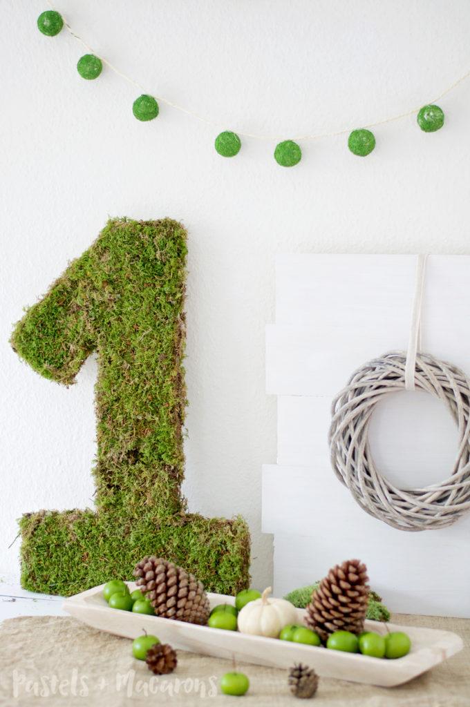 Moss Covered Number By Pastels & Macarons #mosscoverednumber #diy #diymossmonogram #mosscrafts #mosscraft #tutorial
