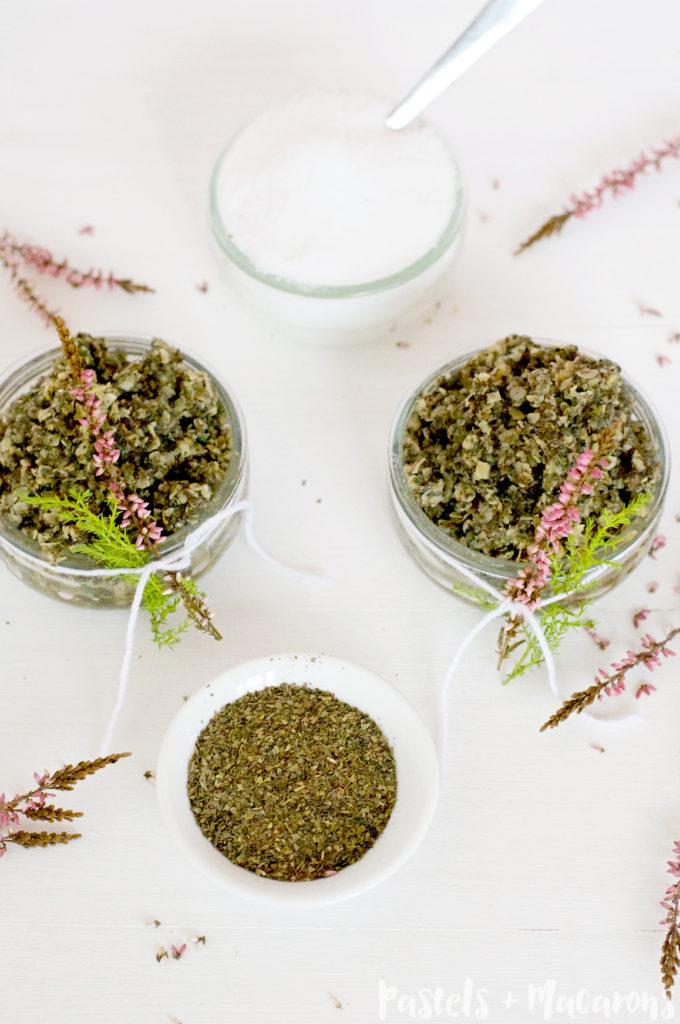 Vanilla And Green Tea Oatmeal Face Scrub