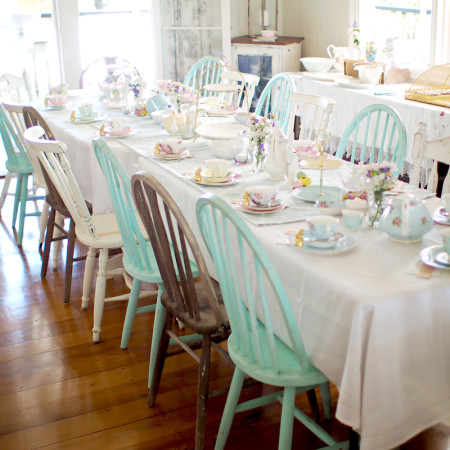 Beautiful Vintage High Tea Tablescape that will leave you wanting to throw a gorgeous high tea party asap!