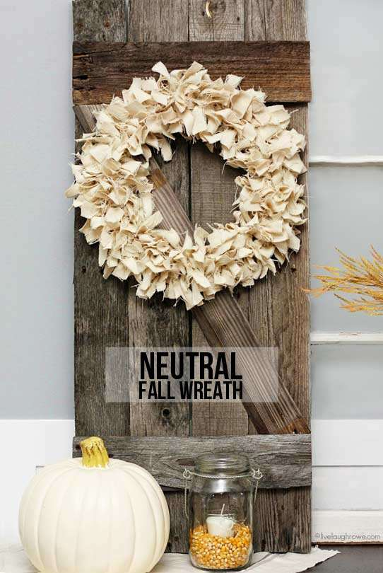 gorgeous diy fall wreaths this one is gorgeous and made from canvas material