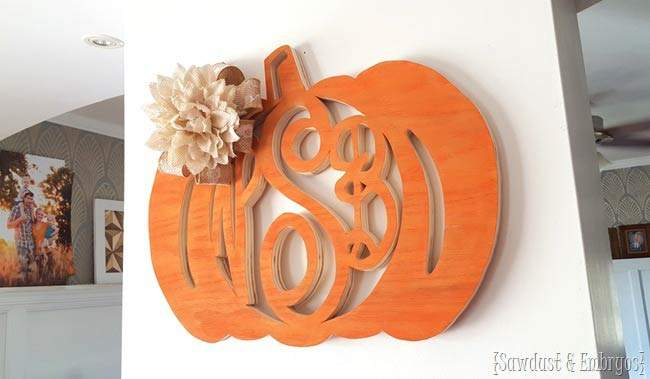 Pumpkin wood wreath. Have a look at all of these wonderful diy fall wreaths