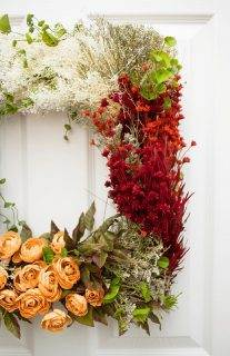 Vintage Flower Wreath Craft Using Dried and Synthetic Florals
