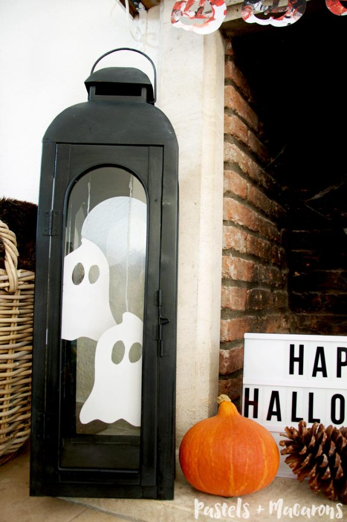 Spooky ghosts as part of your halloween mantel decor