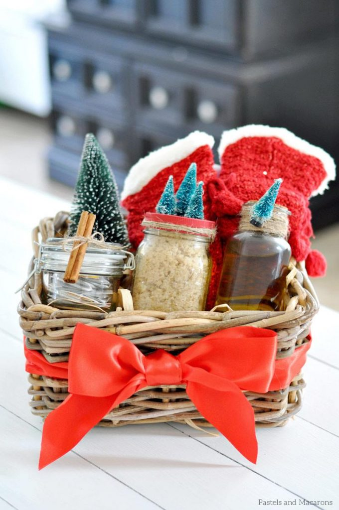 DIY Spa Gift Basket using mason jars and handmade body products