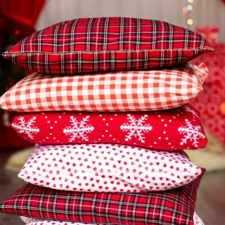 Stunning Christmas Throw Pillows You Can Buy For A Bargain!