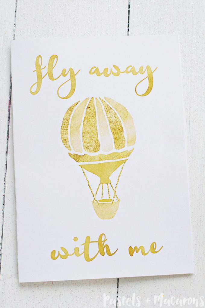 Download these beautiful gold foil Valentines Day cards. get your free printables here