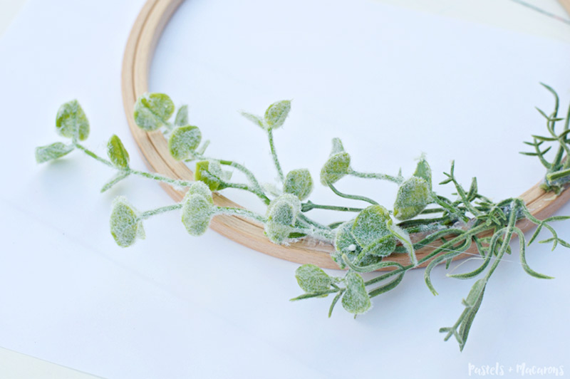 DIY embroidery hoop lavender wreath tutorial for spring
