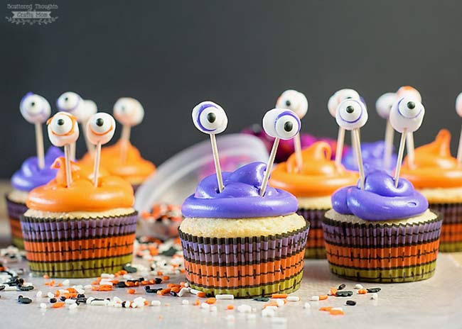 Easy cupcake ideas for kids. Halloween cupcakes.