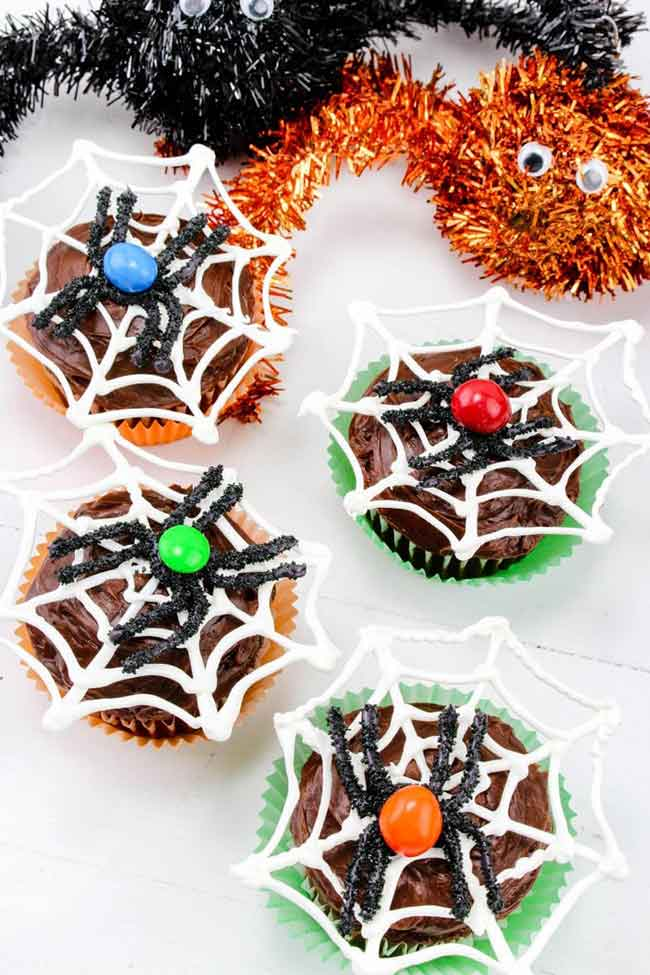 Love these! Such cute Halloween Cupcakes for kids. Great ideas.