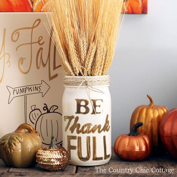 This article is definitely packed with gorgeous Mason Jar crafts for Fall. If you're looking for DIY ideas, centrepieces, painted mason jars, they have you covered.