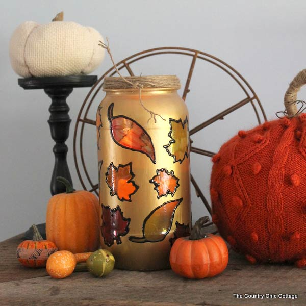 Such a pretty craft! So many mason jar crafts for Fall in this great article.