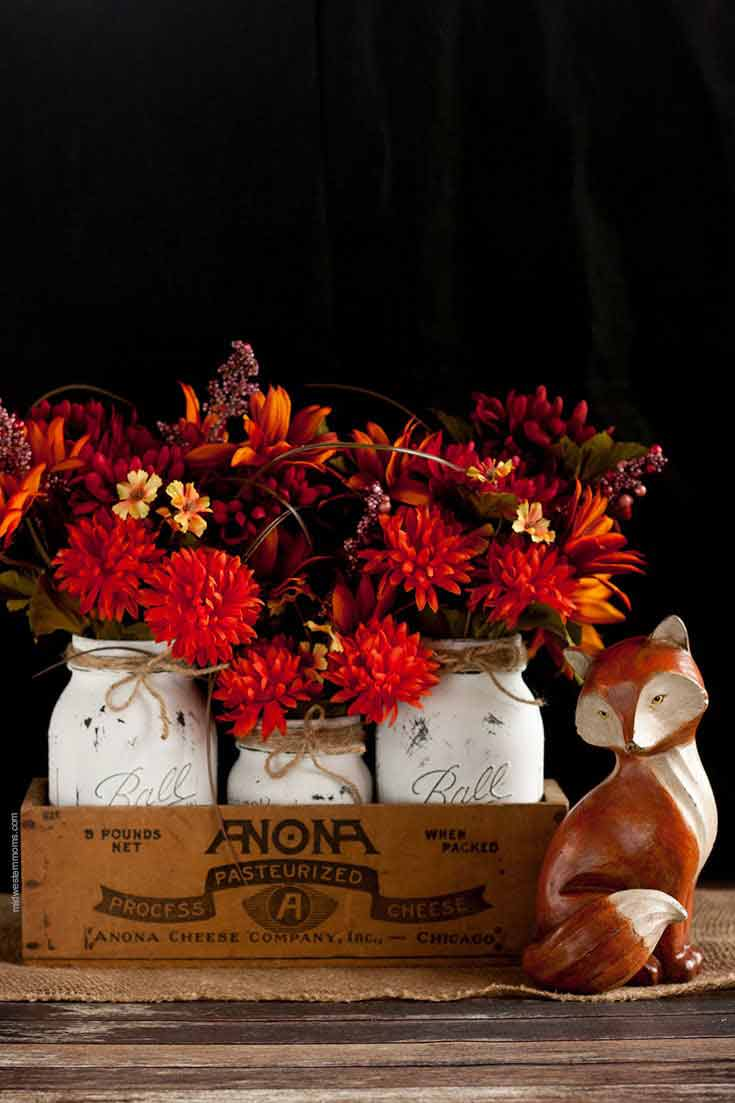 Mason Jar Crafts for Fall all in one place! Love all of these ideas. So many DIY and centrepiece ideas.