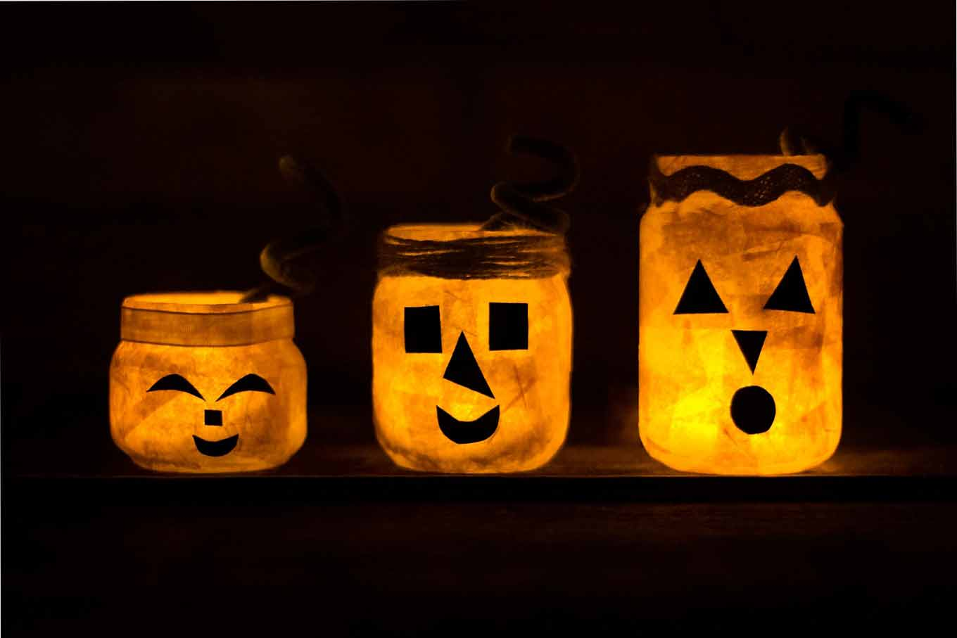 Oh my I LOVE! Love all of these great Mason Jar crafts for fall!