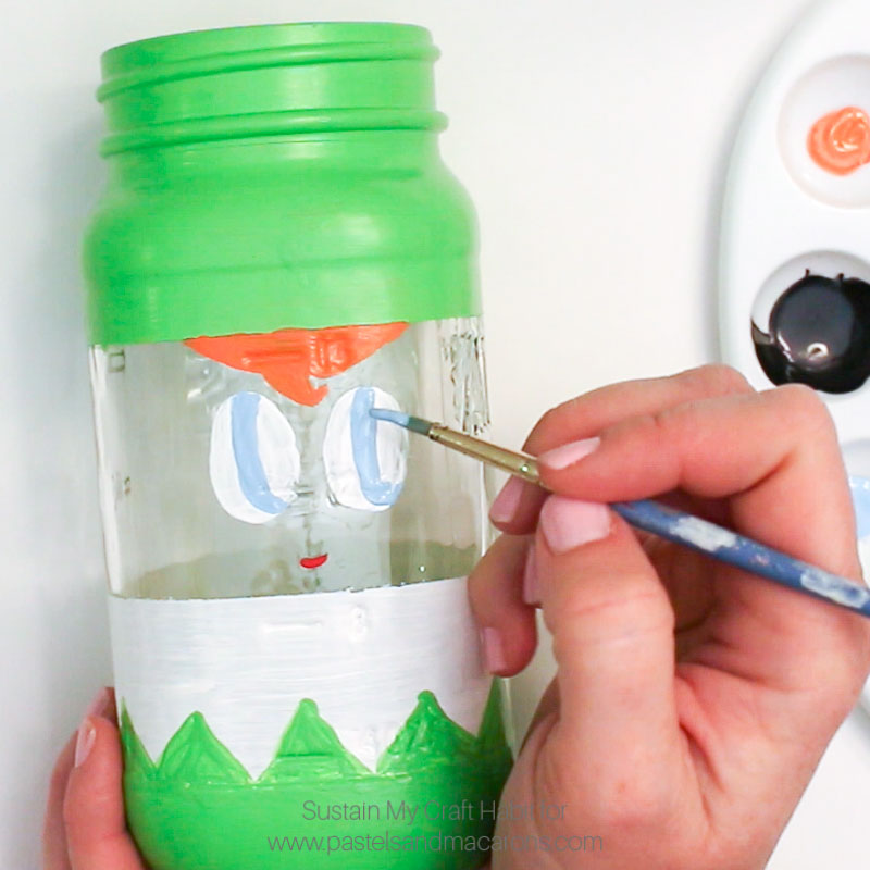 Painting blue eyes DIY mason jar craft- Mason Jar Christmas Gift