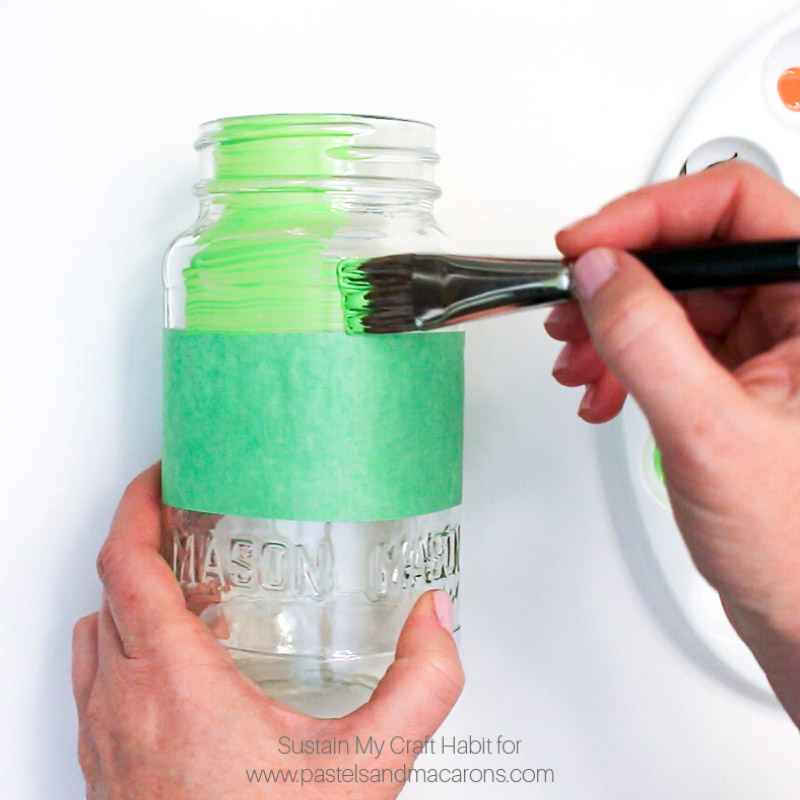 Painted Mason Jar craft tutorial- Mason Jar Christmas Gift