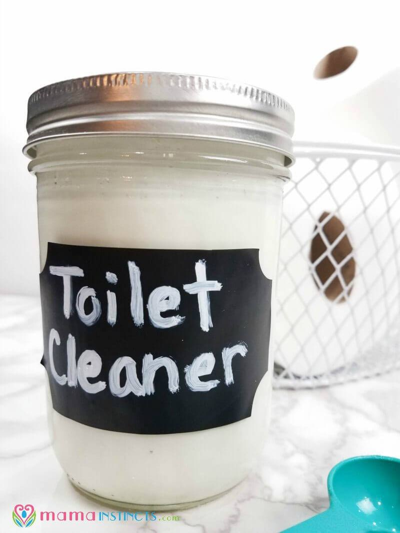 This toilet cleaner is amazing! Who knew making homemade cleaning products could be so easy? Perfect for the toilet and for bathrooms.
